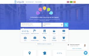 Sur la page d'accueil du site Soliguide.fr, le chat s'affiche en bas à droite de l'écran.